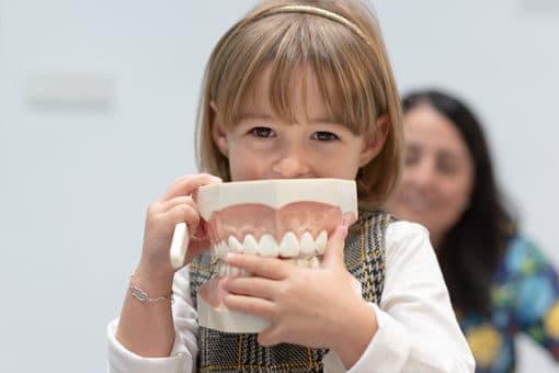 odontopediatria-en-barcelona-clinica-dental-puyuelo