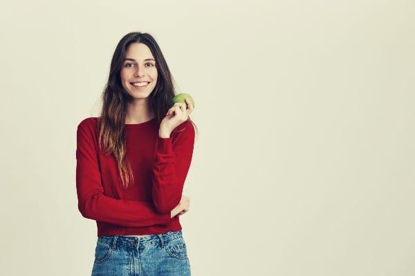 manzana para la salud de los dientes